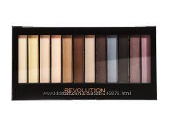 Essential Mattes палетка из 12 теней Makeup Revolution