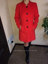 Качественное яркое и красивое пальто  Marks&Spencer