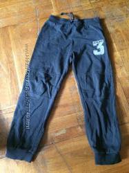 Спортивные штаны фирмы LC Waikiki 6-7 лет