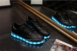 Светящиеся кроссовки  11 режимов