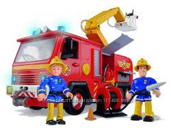 Пожарная машина со светом, звуком, водой и 2-мя фигурами Simba 9257661