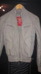 Куртка-ветровка фирмы ESPRIT