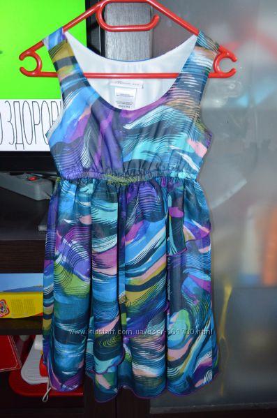 Красивое платье  BONNE JEAN