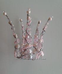 Корона розовая с серебром из бусин и бисера
