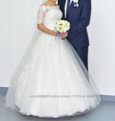 Продам весільну сукню Cristal