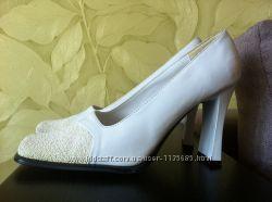 Туфли белоснежные