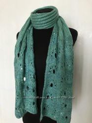Красивый вязаный теплый шарф