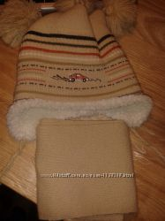 Шапка з вушками і з шарфиком