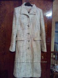 Демисезонное пальто р. L
