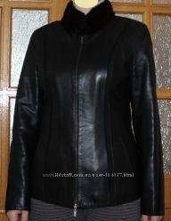 Фирменная кожаная курточка, замшевые вставки и норковый воротник Upstar
