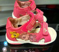Детские кожаные сандалии, босоножки Beeko Bonnie Toddler. Размер 22.