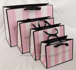 подарочные пакеты с логотипом Victorias Secret
