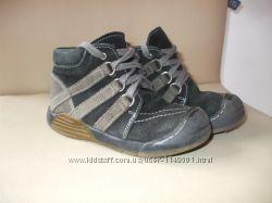 Кожаные ботинки Kiddy Kick р. 25