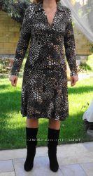 С&A. Yessica. Очень мягкое платье с геометричным принтом.