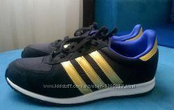 Кроссовки adidas новые черные с золотыми полосками размер 37. 5