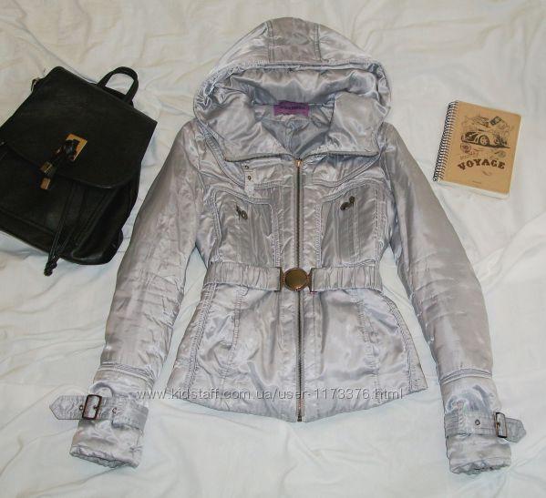 Теплая куртка цвета металик