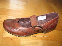 Жіночі шкіряні туфлі 36 розм.