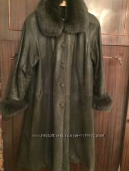 Кожаное пальто с песцем
