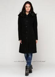 Черное демисезнонное пальто