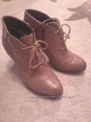 Женские ботинки, ботыльоны Caprice 38р.