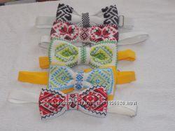 Галстук - бабочка с вышивкой ручная работа