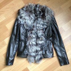 Натуральная кожаная куртка отделка мех в идеальном состоянии