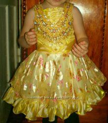 Красивое платьице на 2-2. 5 года