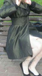 Продам жіночий темнозелений плащ