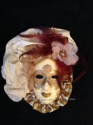 карнавальная маска из Венеции