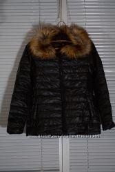 Женская осенняя куртка, черная с капюшоном. Размер - S