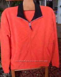 Яркая флисовая куртка. Размер50-52.