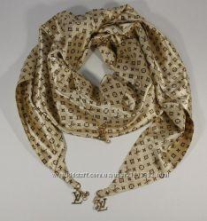 Стильный платок, косынка Louis Vuitton цвета шампанского, атлас