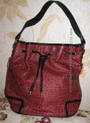 Молодежная сумка красного цвета. Уценка