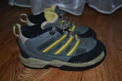 Демисезонные ботинки Adidas. 25размер. 15, 5см. Кожа. Замша. Оригинал.