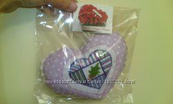 Текстильные сердечки-сувениры ручной работы