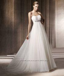 Продам оригинальное свадебное платье Pronovias Barcares