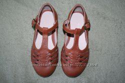 Туфли Next на девочку, р. UK9 EU26, 5, стелька 17 см, состояние новых