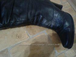 Кожаные сапоги до колена, каблук 10, фирма CLOTILDE