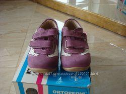 продам туфли, кроссовки детские Ortopedia