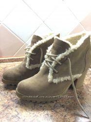 Оригинальные замшевые ботинки TOMMY HILFIGER р. 40  цена снижена