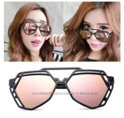 Розовые очки женские солнцезащитные, оригинальная форма