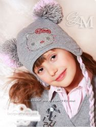 Демисезонная шапочка MONE с бубонами 5-10лет