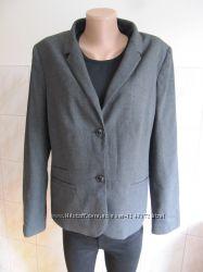 Актуальный стильный пиджак от s. oliver