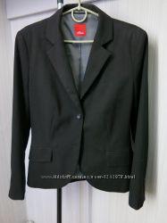 Жіночий класичний піджак фірми S. Oliver