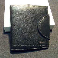 Небольшой кошелёк мужской кожаный , гаманець чоловічий шкіряний.