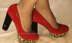 Новые красивые туфли 37 размер. Польша.