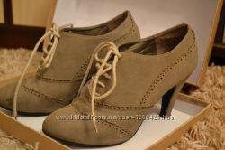 Продам осенние ботиночки на каблуке