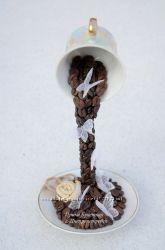 Парящая кофейная чашка