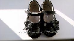 Шкіряні туфельки Arial 23 розмір лаковані