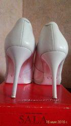 Кожаные белые праздничные, свадебные туфли 38 размер, каблук 10 см, удобные